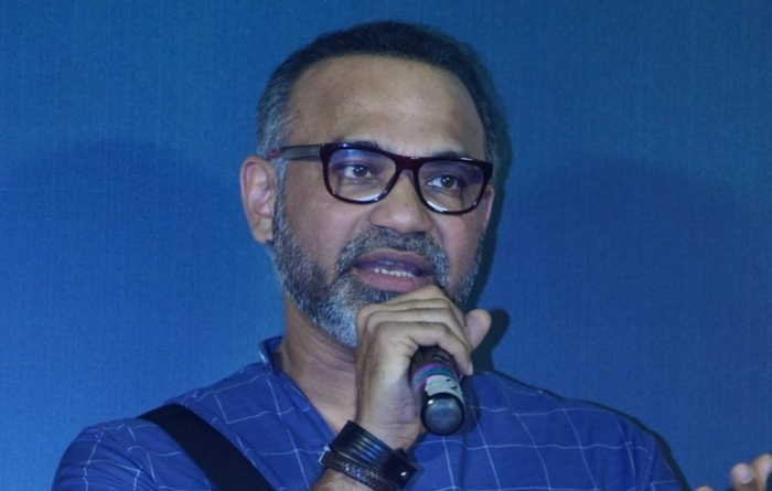 Urmila is a massive star, not an item girl: Abhinay Deo