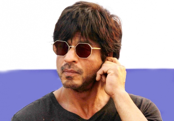 'Lion King' fever grips SRK, son ahead of India-Pak match