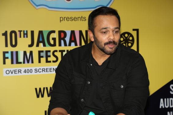 Rohit Shetty welcomes 'videsi cops' in 'desi' style