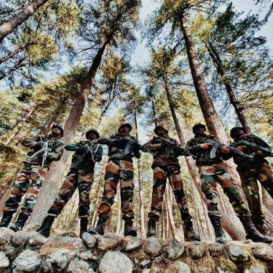Amit Sadh 'salutes brave soldiers' on Army Day