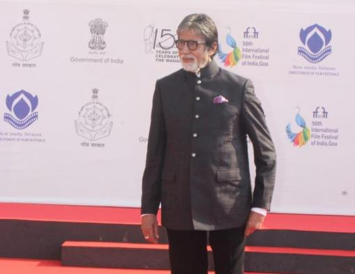 Big B: Everytime I work with Balki, he comes up with weird ideas