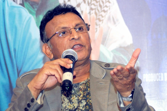 Annu Kapoor teams up with Ayushmann for 'Dream Girl'