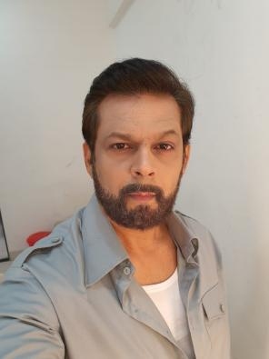 Nasirr Kazi plays a doctor in TV show set in pre-Partition India