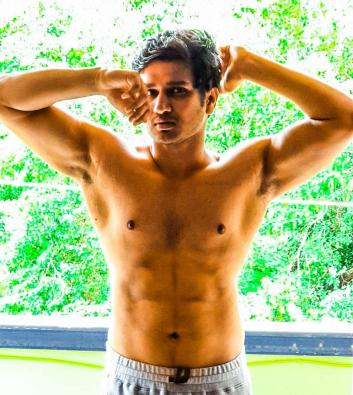 Nikhil Siddhartha flaunts his abs in new post