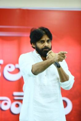 Pawan Kalyan to wrap up film shoots to concentrate on politics
