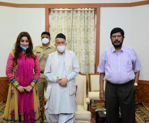 Payal Ghosh meets Maharashtra governor seeking Y category security