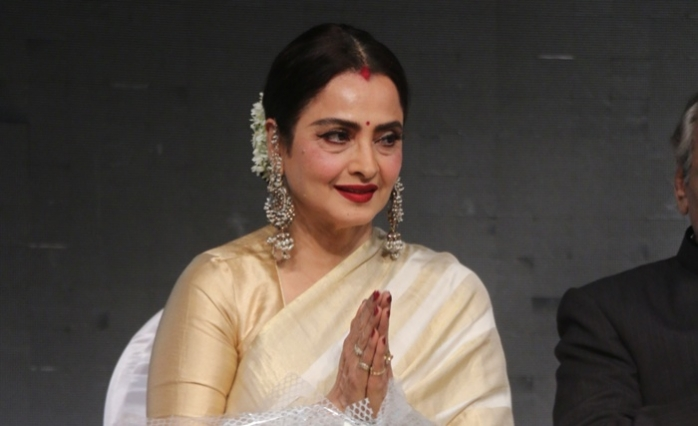 Smita Patil a far better actress than me, says Rekha