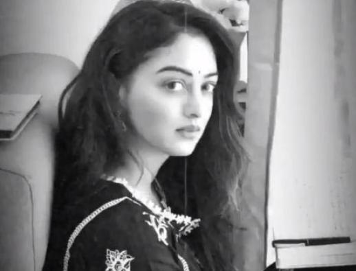 Sandeepa Dhar revisits the '60s in black-and-white video