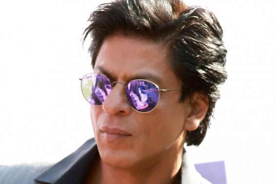 SRK finds 'guidelines for being a true Indian' in National flag