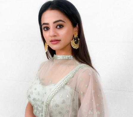 TV star Helly Shah is nervous to shoot amid Covid-19 pandemic