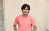 Randeep Rai shoots despite injury
