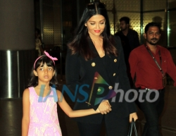 Mumbai: Actress Aishwarya Rai Bachchan and her daughter Aaradhya Bachchan seen at Chhatrapati Shivaji International Airport, in Mumbai, on May 21, 2019. (Photo: IANS)