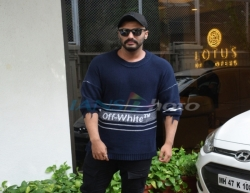 Mumbai: Actor Arjun Kapoor seen outside producer Anand Pandit's house, in Mumbai on June 16, 2019. (Photo: IANS)