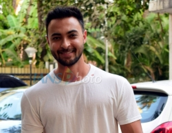 Mumbai: Actor Aayush Sharma seen at Juhu in Mumbai on March 18, 2020. (Photo: IANS)