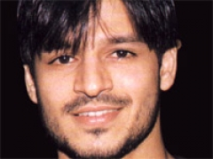 Vivek Oberoi off to Bali with wife