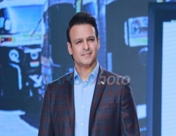 Mumbai: Actor Vivek Oberoi showcases the collection of Viviana Mall at the Bombay Times Fashion Week 2020, in Mumbai on March 14, 2020. (Photo: IANS)
