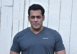 Salman Khan plans to open 300 gyms across India by 2020