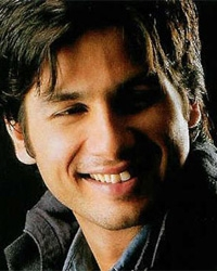 Mom and I have great emotional connect: Shahid