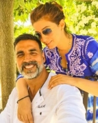 Akshay to Twinkle: You still make my heart flutter