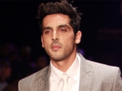 Zayed Khan loves shopping from fashion streets