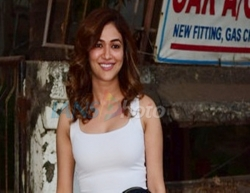 Mumbai: Actress Ridhima Pandit seen at a Juhu salon in Mumbai on March 15, 2020. (Photo: IANS)