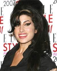 Amy Winehouse now innerwear addict