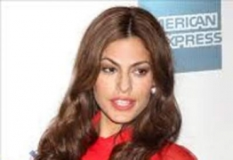 Eva Mendes launches clothing line