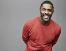 Idris Elba: 'Gimme five for peace'