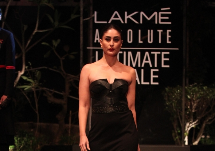 Kareena sports bold, glamorous avatar for LFW finale