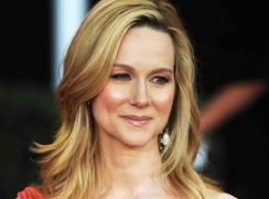 Laura Linney, Tom Hanks may team up for 'Sully'