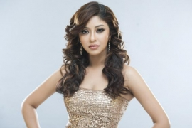 Payal Ghosh pitches in to provide beds, medicine for Covid affected