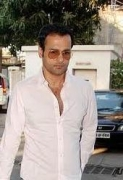 Rohit Roy keen on directing love story